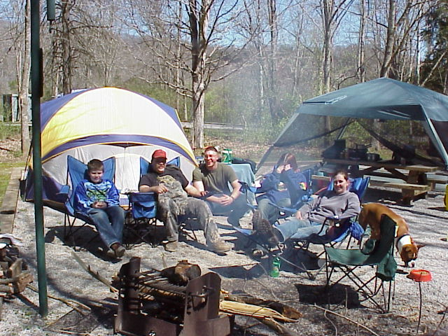 Visitors enjoying an afternoon in one of Lake Cumberland's campgrounds