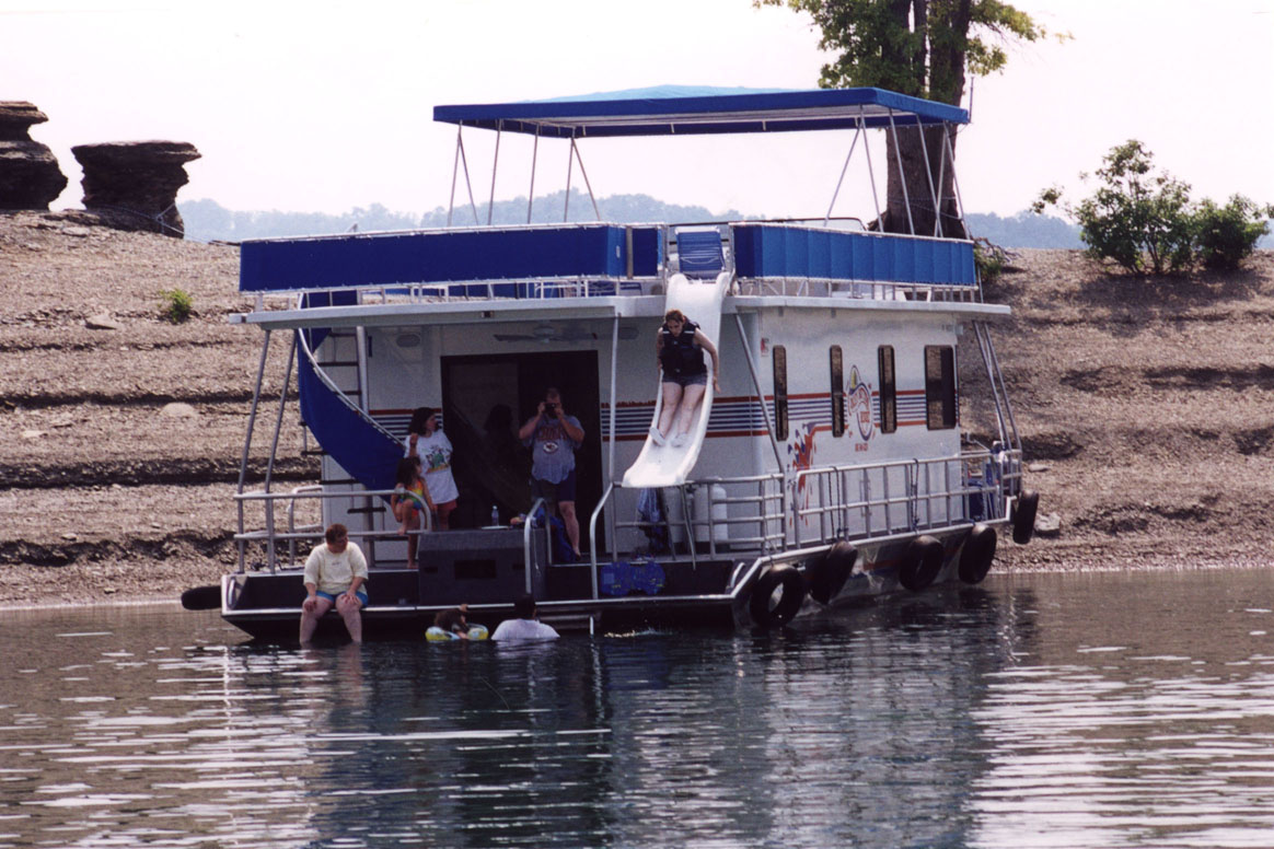 Houseboat on Lake Cumberland