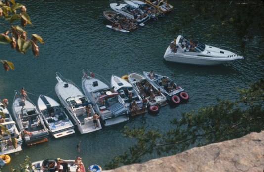 Pleasure Boats on Lake Cumberland